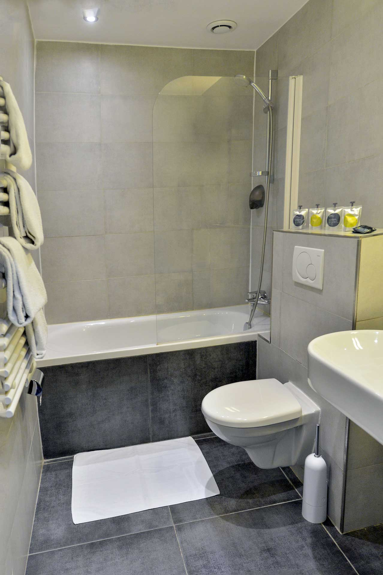 Bloc Ytong Pour Salle De Bain ~ rooms hotel eugenie authentic and atypical